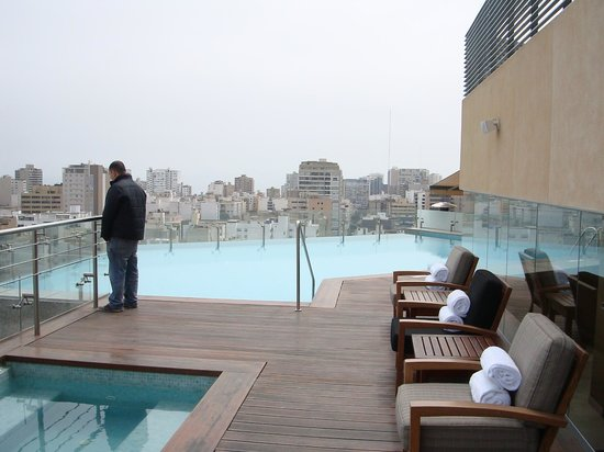 Hilton Lima Miraflores: Rooftop pool