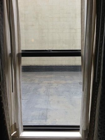 Renaissance Cleveland Hotel: Room Without a View