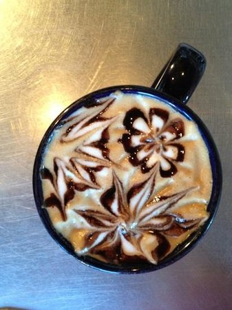 The Summit Cafe: latte love