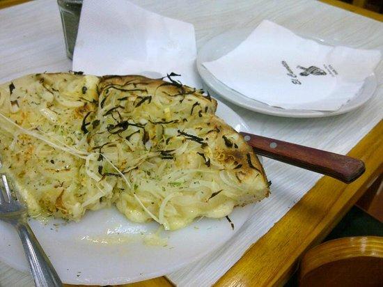 El Cuartito: Tres porciones de fugazzetta