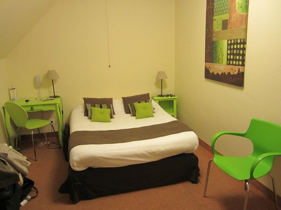 Hotel de la Porte Saint-Malo : chambre 3 étoiles ???