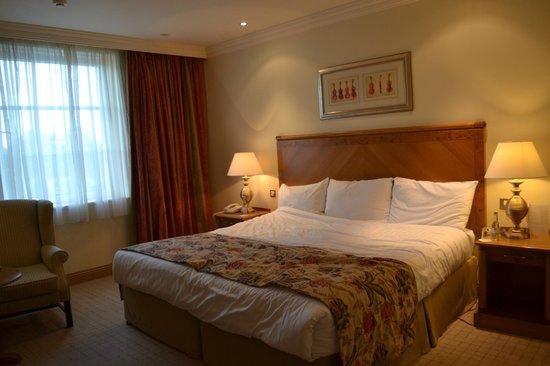 Mount Wolseley Hotel, Spa & Golf Resort: bedroom - the huge bed!