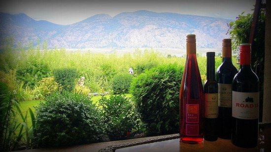 The Del Ray B&B: Local wines