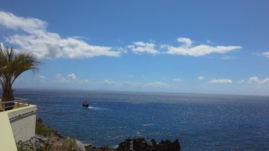 Madeira Regency Cliff : View from Hotel Pool on Floor 1