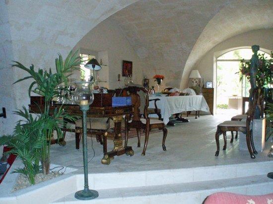La Maison du Paradou: Piano