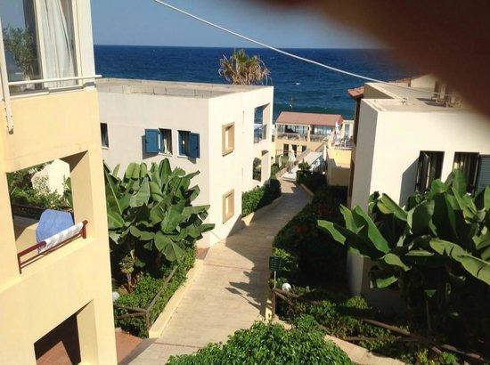 Castello Village Resort: Path to the sea