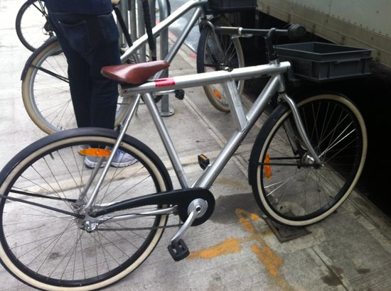 Hotel Americano: Bikes to borrow - Vanmoof