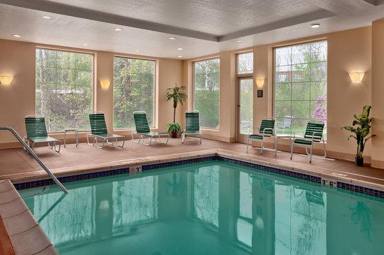 Hampton Inn Waterville : Indoor Heated Pool