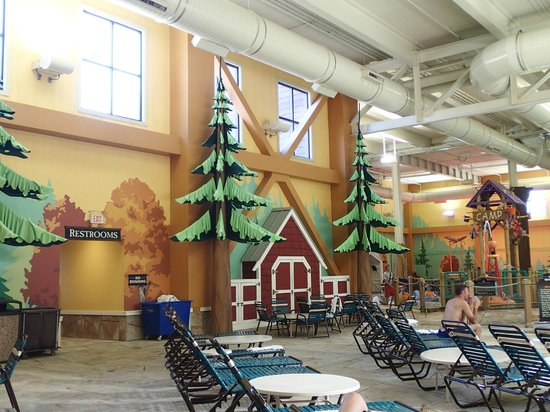 indoor by the wave pool picture of great wolf lodge. Black Bedroom Furniture Sets. Home Design Ideas