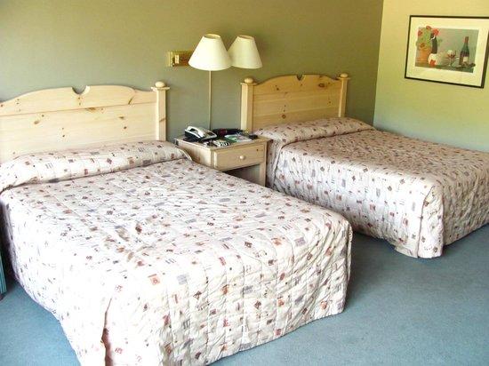 Condos & Hotel Stoneham : Beds