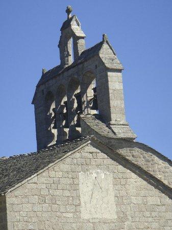 La Grange d'Emilie : Village de Fontans à 10 minutes à pied