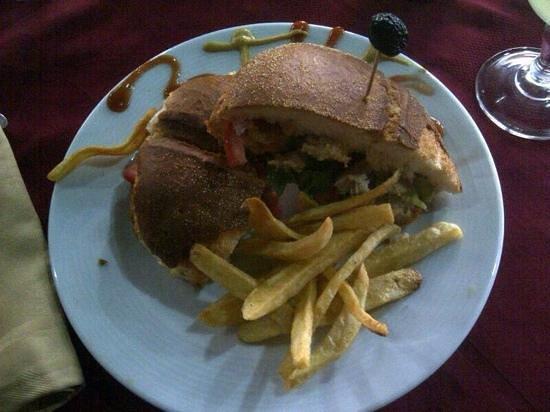 Restaurant 3Thes: sandwich poulet