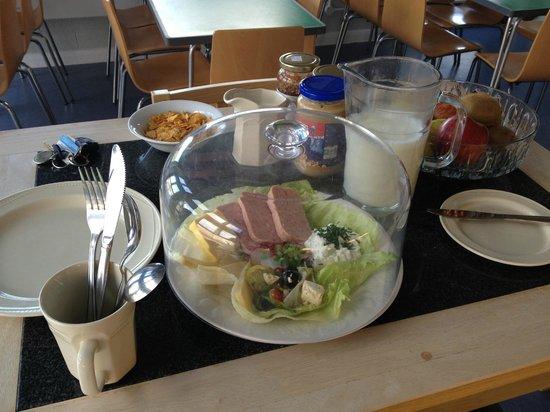Stay Green Edenbridge : Hostel breakfast!!