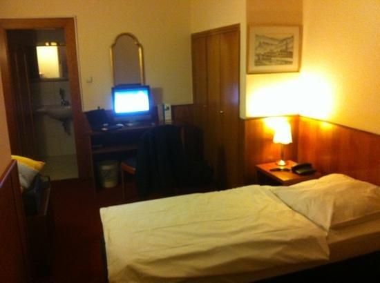 Hotel Niederrad: DZ 104