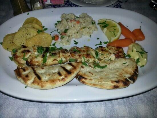 Zorbas Taverna: Chicken souvlaki