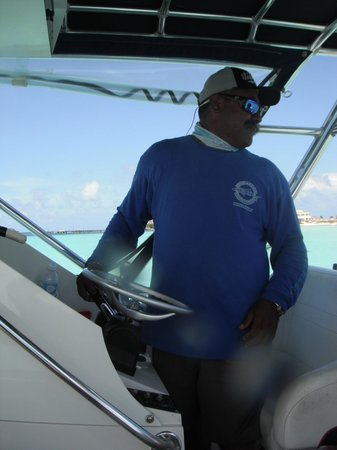 Holbox Whale Shark Tours: Elmer our driver