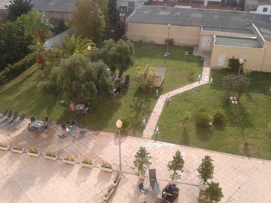 B&B Hotel Valencia Ciudad de las Ciencias: Giardino