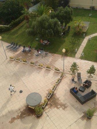 B&B Hotel Valencia Ciudad de las Ciencias: Giardino 2