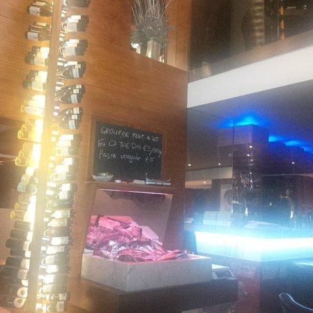 Sciacca Grill Saint Julians : Restaurant inside