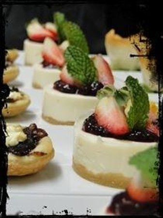 Meade Cafe : Devine baby cheese cakes!