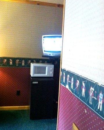 Tahoe Hacienda Inn: Hacienda Lake Tahoe Fridge / Microwave / TV