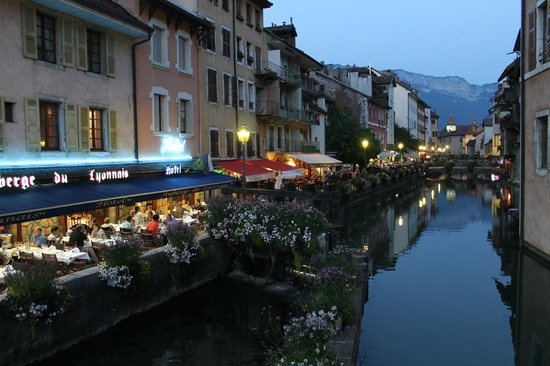 Hotel des Alpes : Annecy at Night