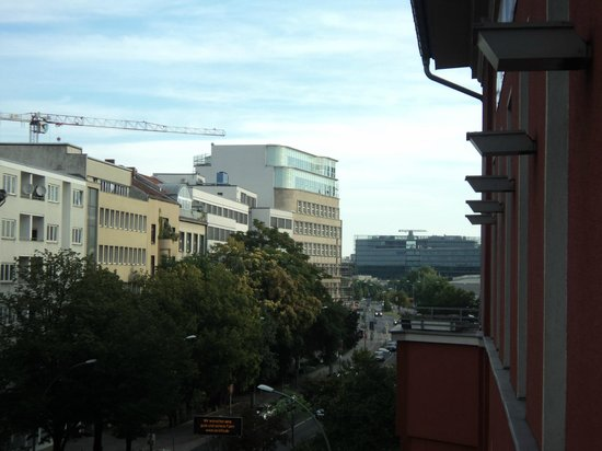 Hotel Altberlin: Looking on to Potsdamer Strasse