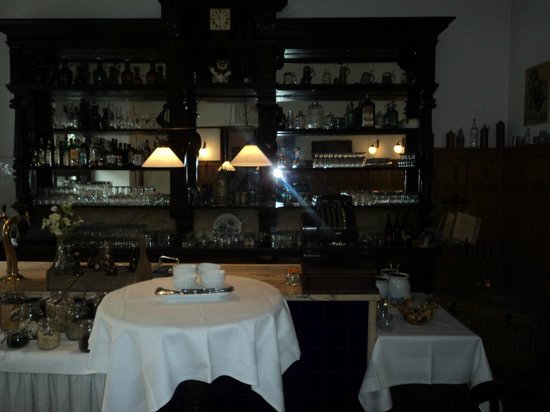 Hotel Altberlin: This is a bar in the evenings