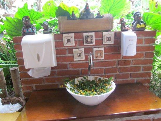 Lavabo foto de restaurante frutal do campo londrina for Lavabos para restaurantes
