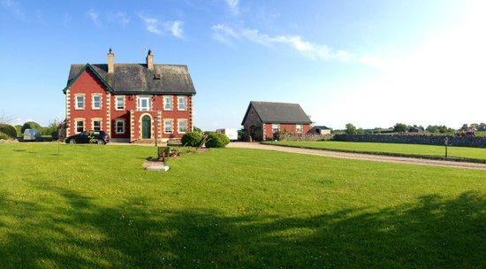 Rigney's Farmhouse Bed & Breakfast : The house!