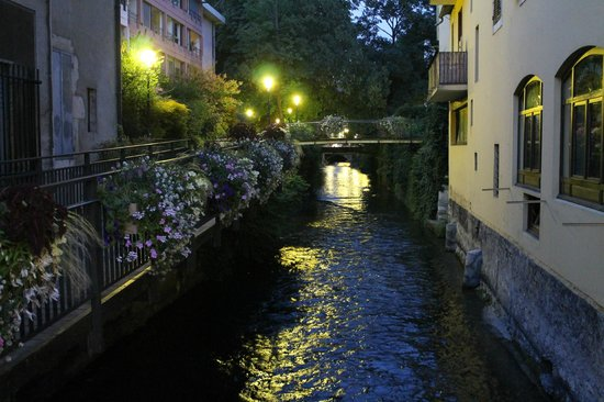 Hotel des Alpes: Annecy at Night