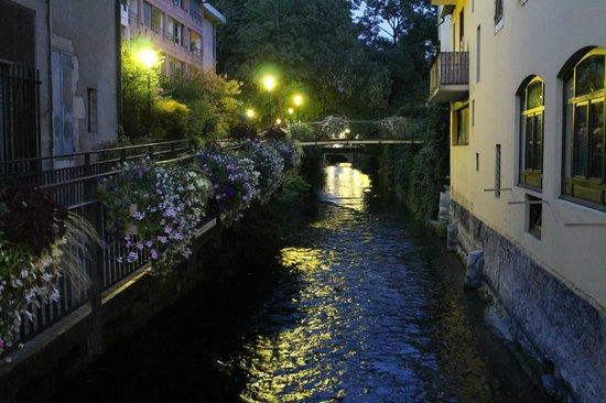 Hotel des Alpes: Annecy at Night