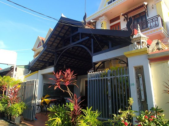 Siem Reap Rooms - Day Tours: Entrance to Siem Reap Rooms Guest House