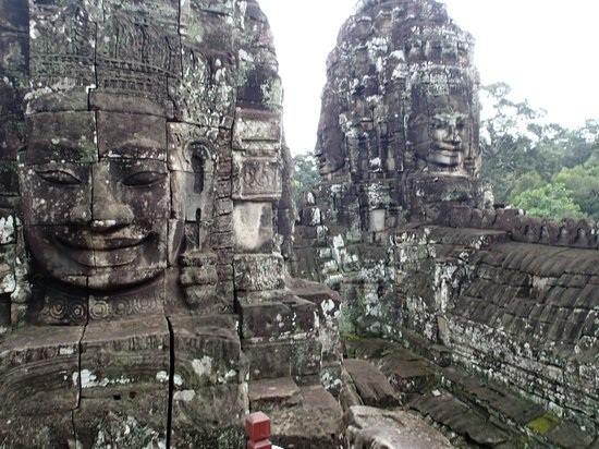 Siem Reap Rooms - Day Tours: Bayon and her faces that works in mysterious ways