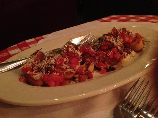 Maggiano's Little Italy : bruschetta