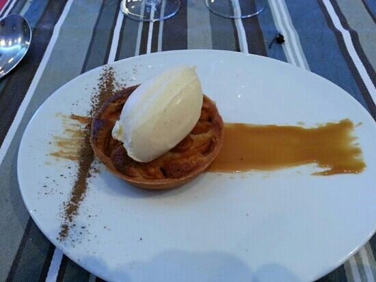 Le 27 Restaurant: Amandine abricot
