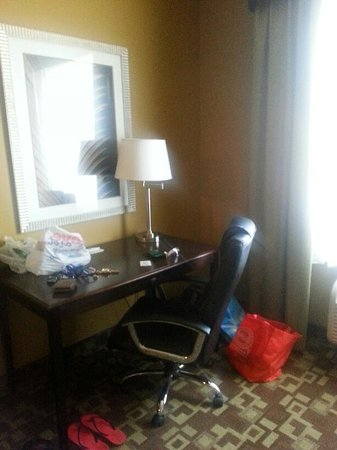Holiday Inn Express Hotel & Suites Foley: Office Nook
