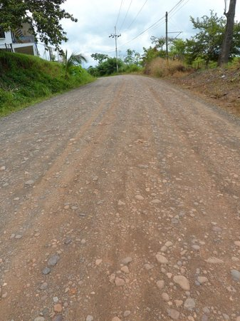 Hotel Paraiso Carlisa: Condition of road going up to the hotel