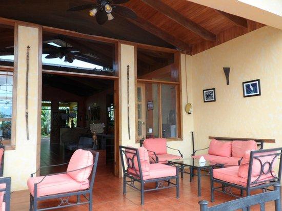 Hotel Paraiso Carlisa: Lodge porch