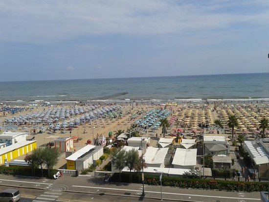 Hotel Executive La Fiorita: Vista dal balcone frontale