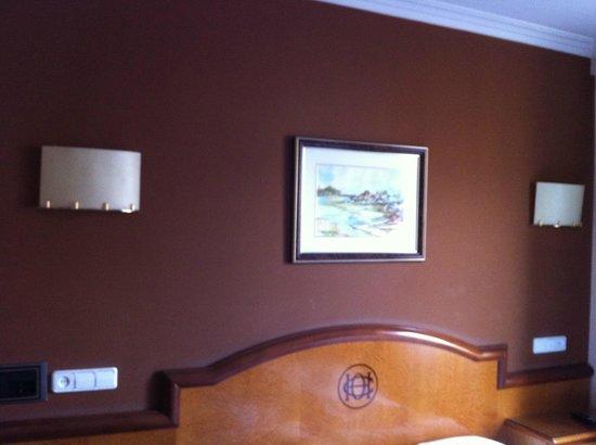Sercotel Ciudad de Oviedo Hotel: Habitación principal