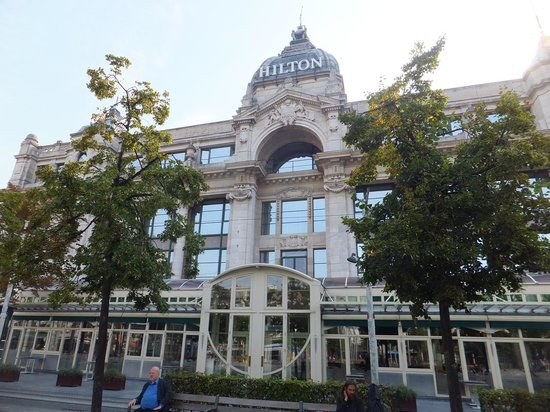 Hilton Antwerp Old Town: The front of the Hilton Hotel
