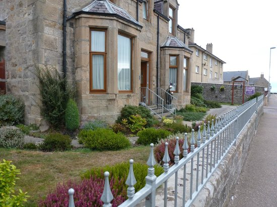 Ceilidh Bed and Breakfast : Front