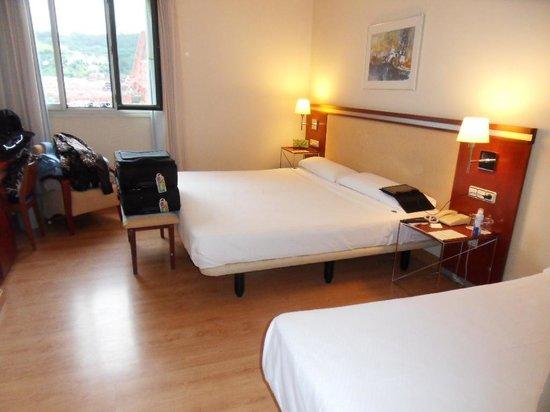NH Bilbao Zubialde: Driepersoonsslaapkamer
