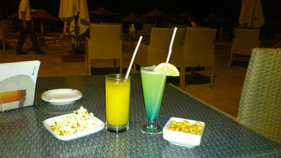 SENTIDO Djerba Beach : cocktail au bar de la plage