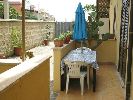 B&B La Casetta Ladispoli: Esterno Appartamento Anna