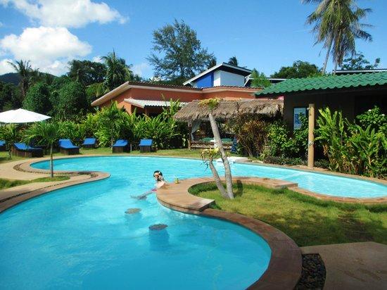 Phangan Beach Resort : pool
