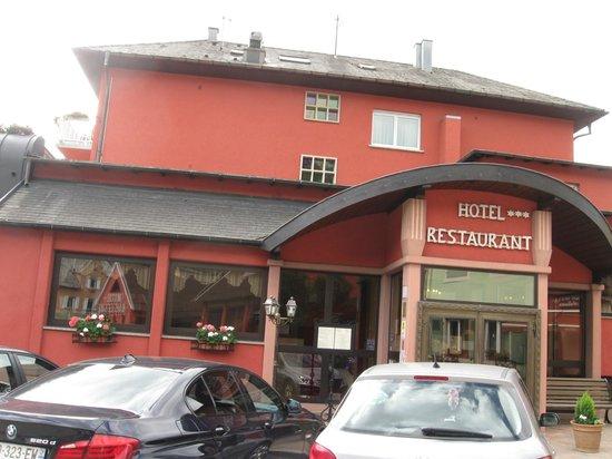 Au Bois le Sire : l'accueil, le restaurant et quelques chambres