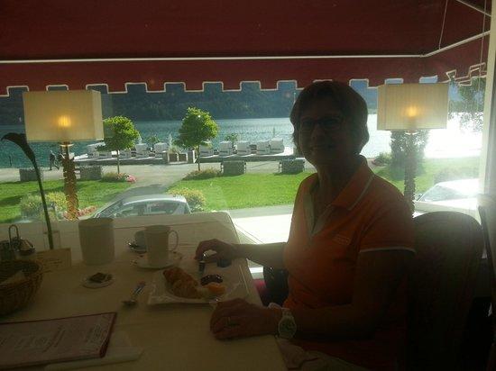 Entners am See: Beim Frühstück