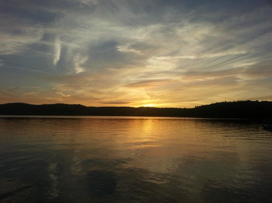 The Lake of Bays Lodge : Sunset